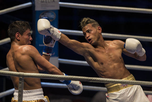 El 56 kg Robeisy Ramirez derrotó al uzbeko Murodjon Akhmadllev. Foto: Ismael Francisco/Cubadebate.