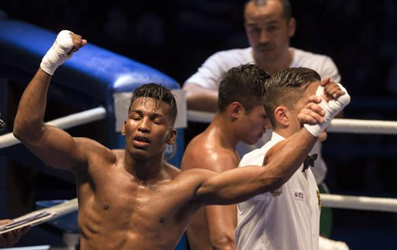 El 64 kg Luis Oliva derrotó al Uzbeko Fazliddin Gaibnazarov. Foto: Ismael Francisco/Cubadebate.