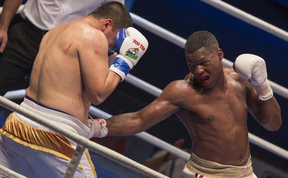 +91 kg Leinier Peró derroto al Uzbeco Mirzohidjon Abdullaev. Foto: Ismael Francisco/Cubadebate.