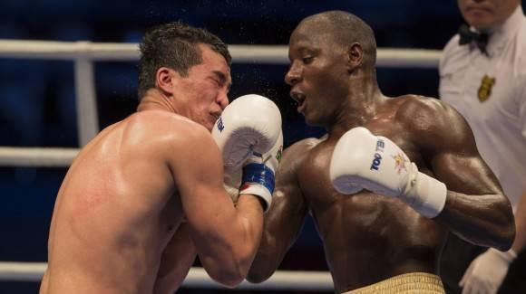 El 91 kg Erislandy Savón derrotó al uzbeko Mirzobek Khasanov. Foto: Ismael Francisco/Cubadebate.