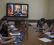 Desde la Embajada de Venezuela en Cuba, seguimos la conferencia del Presidente Nicolás Maduro, quien ofreció una conferencia de prensa internacional en la que se utilizaron las tecnologías de video- conferencias en tiempo real con decenas de periodistas en diversos países del mundo. Foto: Ismael Francisco/ Cubadebate