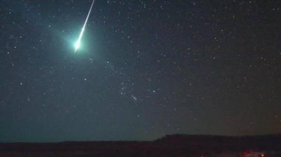 A pesar de que se sintiera y viera como un fenómeno cercano, el astrónomo señaló que el meteorito pudo haber pasado a más de 1.000 kilómetros de altitud.