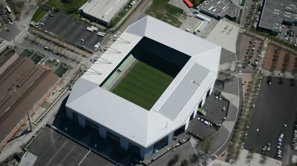 Categoría: -. Apertura: 1931. Capacidad: 42 000 espectadores. Sede de tres partidos en la fase de grupos y uno en octavos de final.