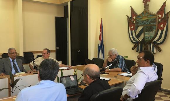 """La sesión ordinaria del Consejo Científico de la Universidad de La Habana del pasado 20 de abril se dedicó al Panel: """"La ciencia en Cuba y los Estados Unidos. Retos y perspectivas""""."""