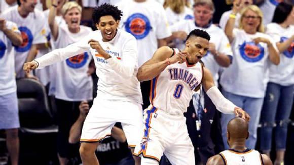 Westbrook tuvo otra gran noche. Foto: Kevin Jairaj/USA Today Sports.