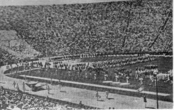 Inauguración en el Coliseum.