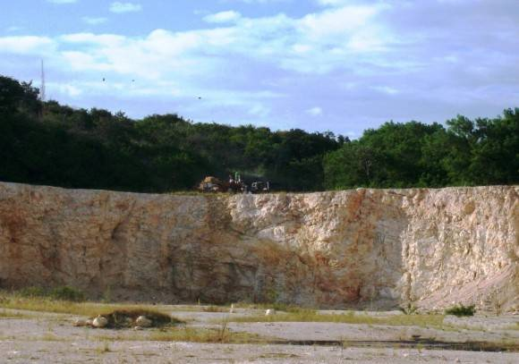 Blanco Neoestratotipo Eoceno Superior Cantera Cemento Siguaney  Sancti Spíritus. Foto: . Lisette L. Arias Ceruelos Esp. Comunicación y Marketing IGP, Servicio Geológico de Cuba / Cubadebate