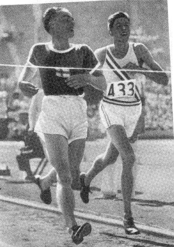Lauri Lehtinen y Ralph Hill.