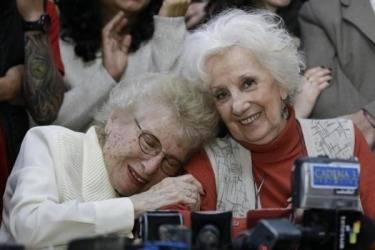 La institución Abuelas de Plaza de Mayo encontró al nieto nº119, se llama Mario Bravo. Su madre está viva y reside en Tucumán. Foto: Archivo.
