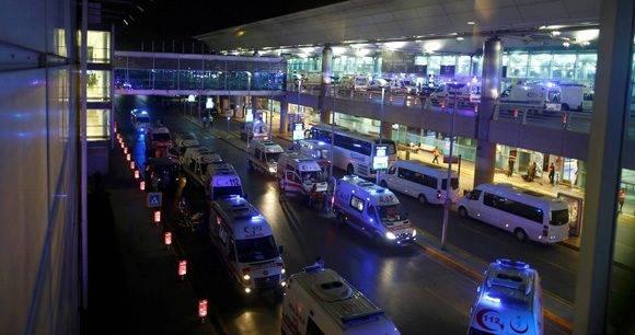 Caos en Estambul tras el ataque. Foto: Osman Orsal/ Reuters.
