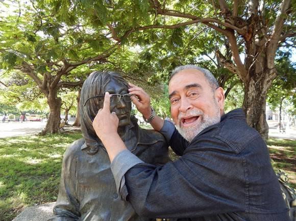 Andy prestó sus gafas a Lennon. Foto: Adán Iglesias / Cubadebate