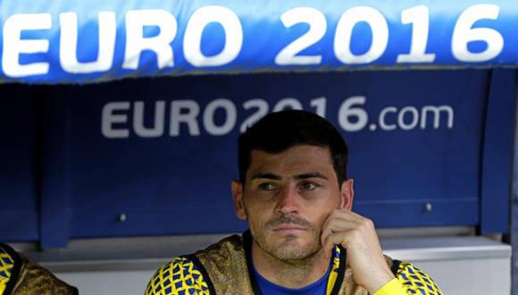 Iker Casillas se quedó en el banco. De Gea, a pesar del escándalo que precedió a la Euro, fue titular. Foto tomada de Marca.