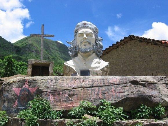 Imagen que inmortaliza al Che en La Higuera. Foto: Archivo.