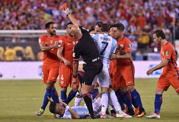 Hubo dos expulsiones en el partido. Foto tomada de Marca.