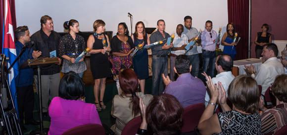 Miembros de la ANEC,  durante  la firma del código de ética. Foto: ACN/ Marcelino Vázquez.