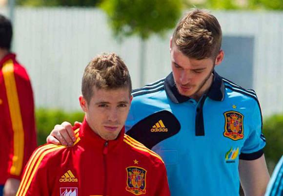De Gea (der.) y Munain en un entrenamiento con la selección española sub 21. Foto tomada de AS.