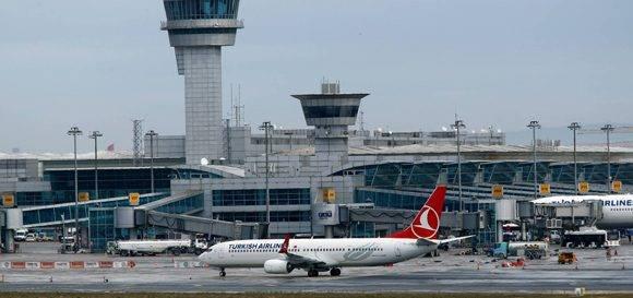 El aeródromo de Atatürk es el más grande de Estambul, (la imagen es de febrero pasado). Foto: Reuters.