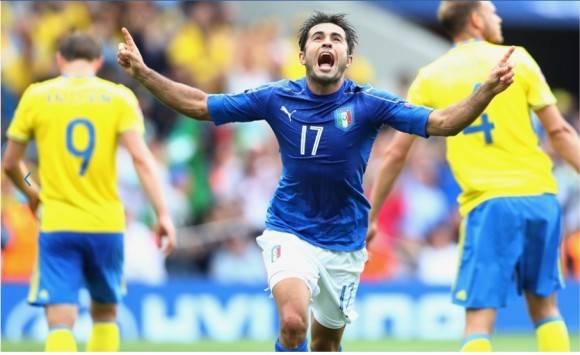 En primer turno, Italia, con gol de Eder a dos minutos del final, le ganó a Suecia 1-0 en Tolouse y aseguró su lugar en los octavos de final. Foto: Getty Images