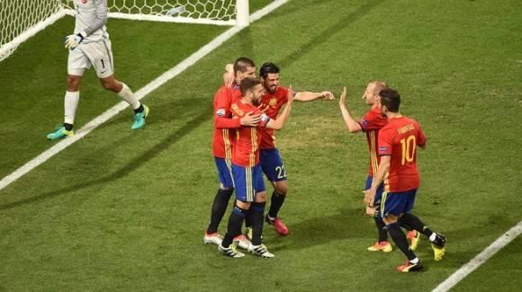 España derrota a Turquía. Foto AFP
