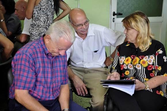 Foro debate sobre banca cubana 2