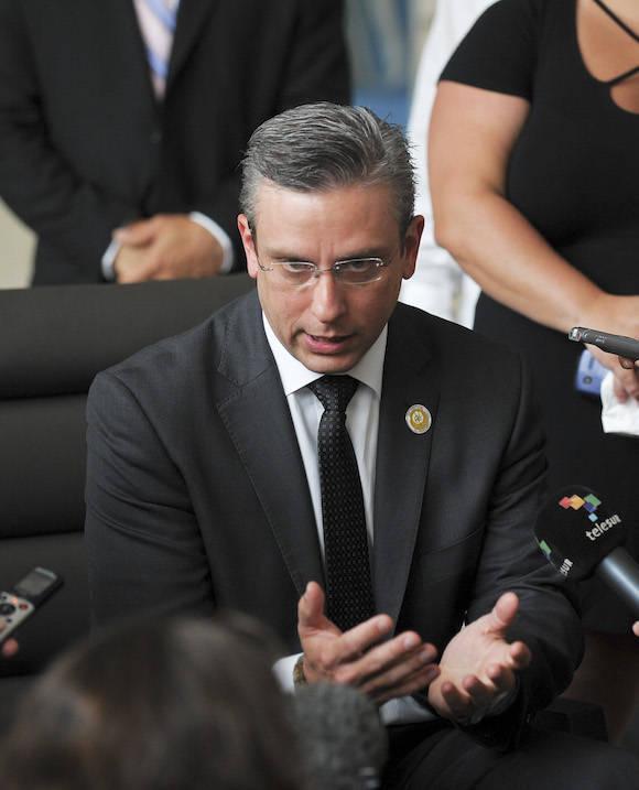 El Gobernador de Puerto Rico Alejandro García Padilla, en diálogo con la prensa en La Habana. Foto: Adalberto Roque/ AFP