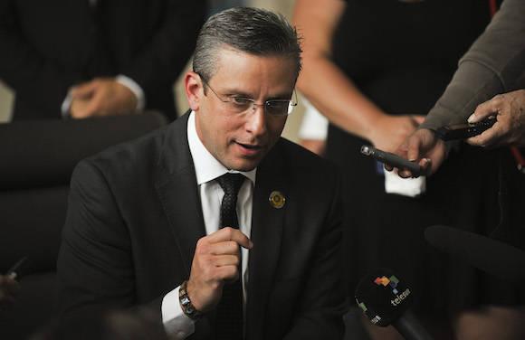 Gobernador de Puerto Rico intercambia con presidente cubano