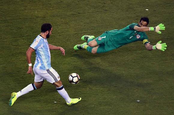 Gonzalo Higuaín falló la oportunidad más clara de los 120 minutos. Foto tomada de Marca.