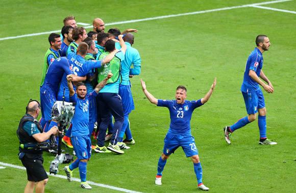 La azzurra celebra el gol que sentenció el encuentro. Foto: UEFA.