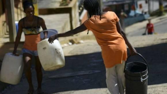 La desigualdad se acrecienta en muchos casos al tomar en cuenta el acceso a los servicios más básicos. Foto: Getty.