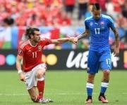 Las estrellas de ambos equipos Gareth bale (izq.) y Marek Hamsik. Foto: AFP.