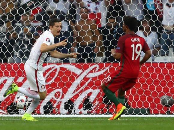 Robert Lewandowski anotó el segundo gol más rápido de todas las Euro, pero no pudo evitar la eliminación de Polonia. Foto: UEFA.