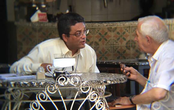 Miguel Limia David y Alfonso Regalado Granda, momentos antes de iniciarse la transmisión del podcast. Foto: Cubadebate