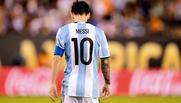 Messi renunció a la selección argentina luego de la derrota en la final de la Copa América ante Chile.