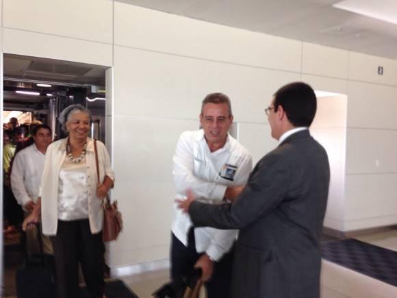 Llega a Washington el Ministro de la Agricultura de Cuba. Foto: Cuenta en Twitter de José R. Cabañas, Embajador de Cuba en Washington.