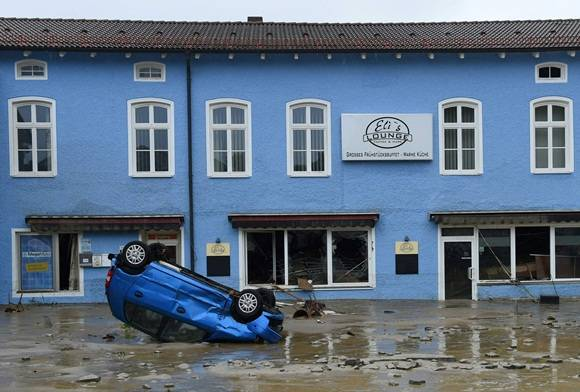 TOPSHOT-GERMANY-FRANCE-FLOOD-WEATHER