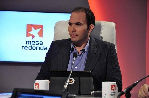 El Doctor Omar Correa Madrigal, director de Vertex, en comparecencia en la Mesa Redonda.