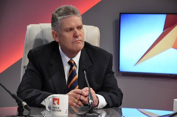 El viceministro primero del Ministerio de Finanzas y Precios (MFP), Alejandro Miguel Gil Fernández