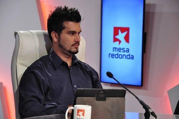 El ingeniero Roberto Elías Pérez Ozete, arquitecto del Grupo de Videojuegos de Vertex.