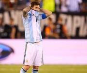 El capitán argentino tras fallar su penal contra Chile. Foto tomada de Marca.