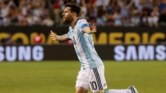 Messi lidera a los goleadores con tres tantos, empatado con el braileño Coutinho que ya quedó eliminado. Foto: