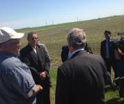 Ministro cubano de Agricultura comparte con productores orgánicos de Iowa, 3 de junio de 2016. Foto: Cuenta de Twitter de José Ramón Cabañas, Embajador de Cuba en EE.UU