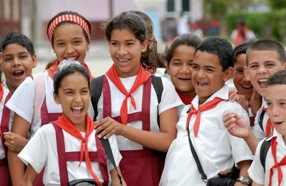 No es por suerte o casualidad que Cuba escapa de esa realidad que impera en el mundo, es gracias a las políticas de la Revolución que todos los niños en Cuba van a la escuela. Foto: Roberto Suárez/ Juventud Rebelde.