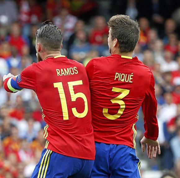 Piqué y Ramos estuvieron muy bien en la zaga. Foto: Pablo García/ Marca.