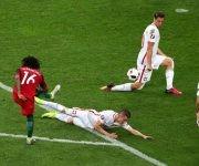Así marcó su gol Renato Sanches. Foto: UEFA.