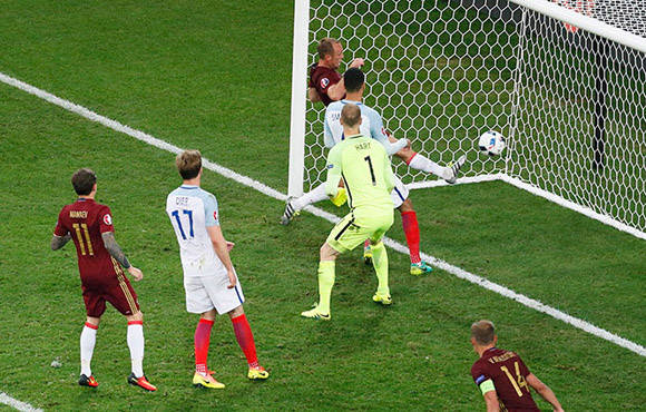 El empate de Rusia dejó afectados a los jugadores de Inglaterra. Foto: Reuters.