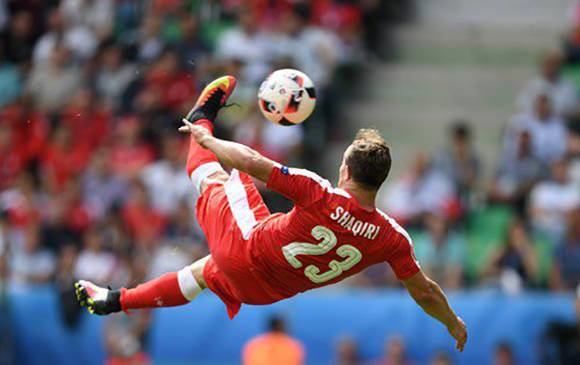 Golazo de Shaquiri de chilena. Foto: UEFA