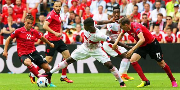 Suiza iguala a Francia con 3 puntos en la cima del grupo A. Foto: EFE.