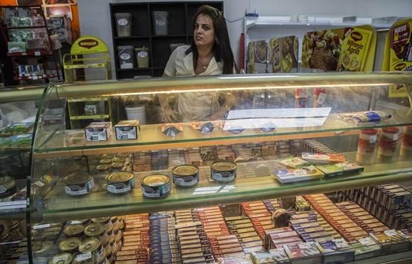 Mercado de 3ra y 70 en La Habana. Foto: Ismael Francisco/ Cubadebate.