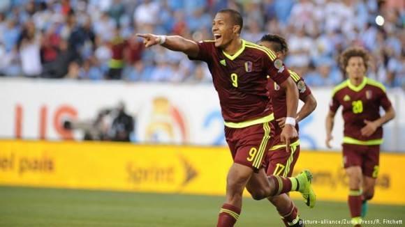 Venezuela ganó a Uruguay con gol de Rendón.