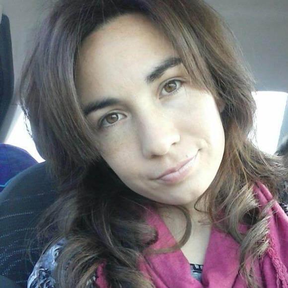 Yohana Fucks, es una maestra defensora de la educación pública.